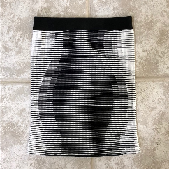 BCBGeneration Dresses & Skirts - BCBGeneration tight spandex black and white skirt